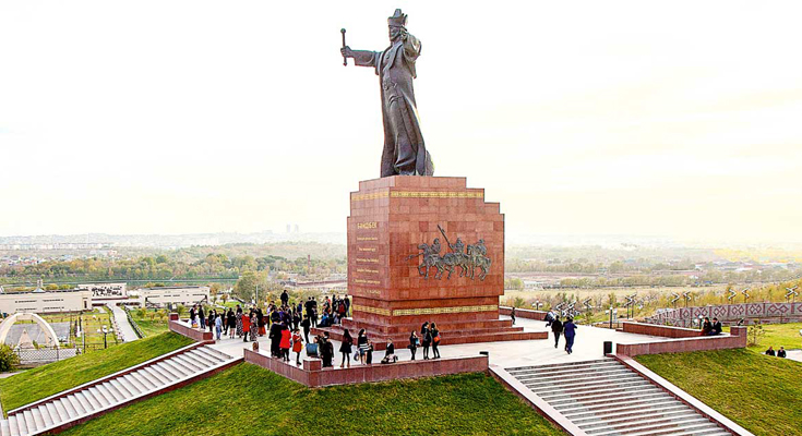 Baidibek Ata Monument
