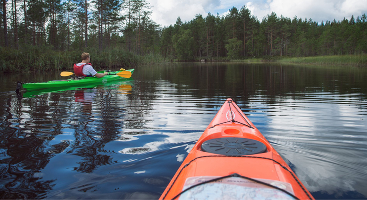 Enjoy A Great Time at The Lake With Canoeing